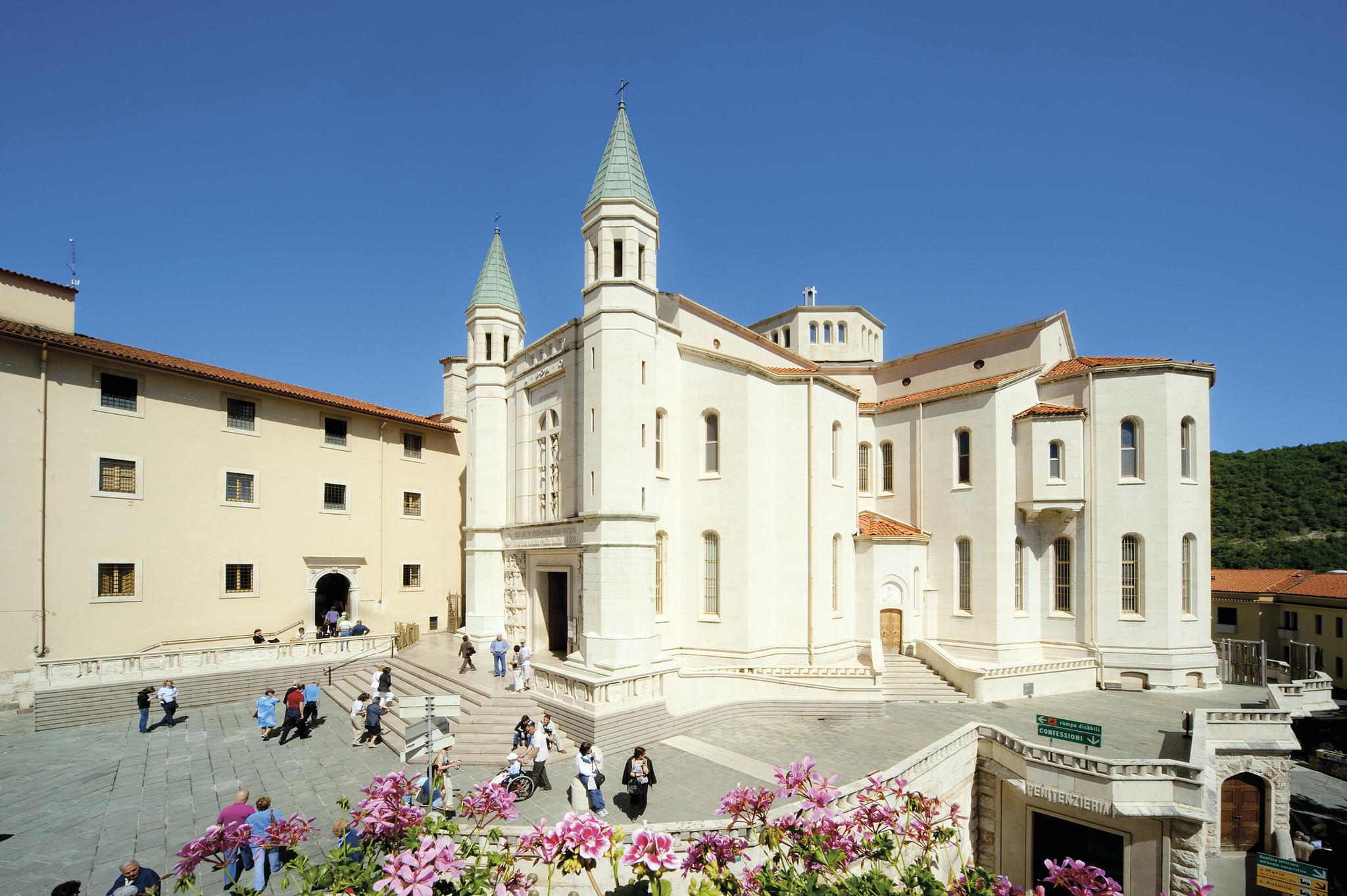 Basilica di santa rita umbria for Basilica di santa rita da cascia
